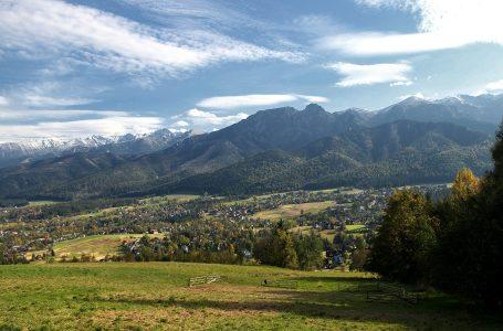 Liczba turystów w Zakopanem wzrasta ze wzrostem zachorowań